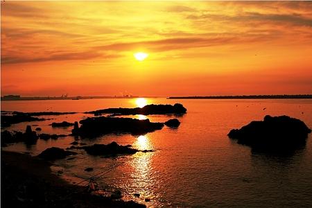 海から見た夕景