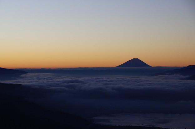 雲海のむこう