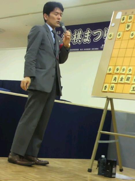 Photos: 窪田義行六段。当初の想像よりゆっくりハキハキと喋ってくれてます。...