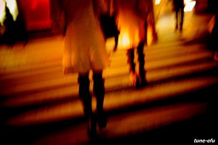 揺れる横断歩道