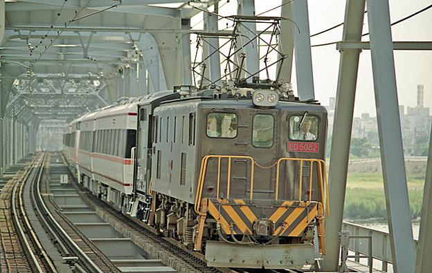 ED 5082 甲種貨物列車