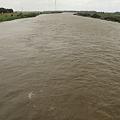利根川の濁流