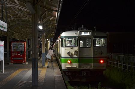 新発田駅 夜の0番線