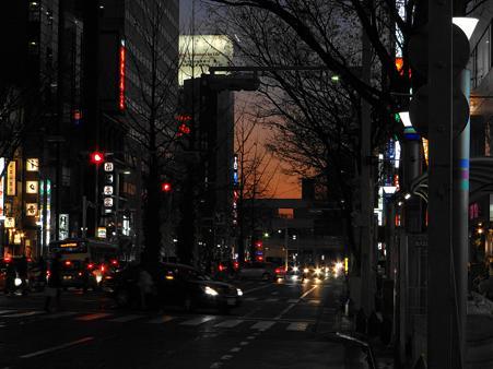名古屋錦通りの夕暮れ風景