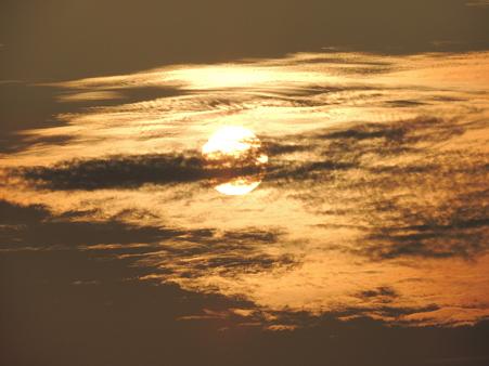 束の間の朝日