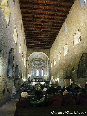 聖イジー教会内部