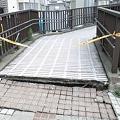 Photos: 地震による陥没 検見川浜駅前