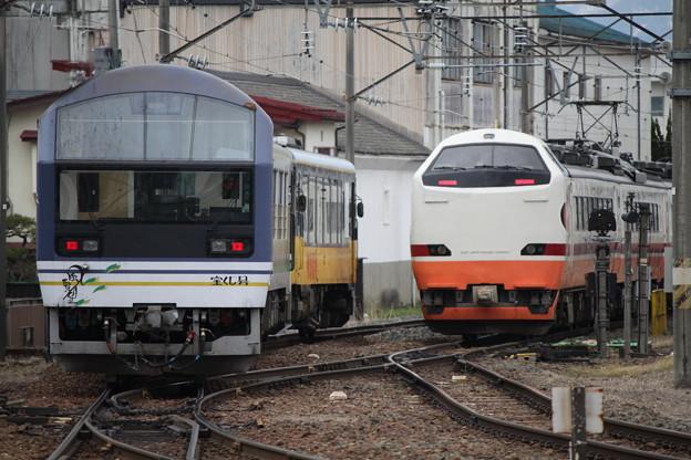 会津鉄道AT-400形 AT-401・JR485系 G55+G58編成