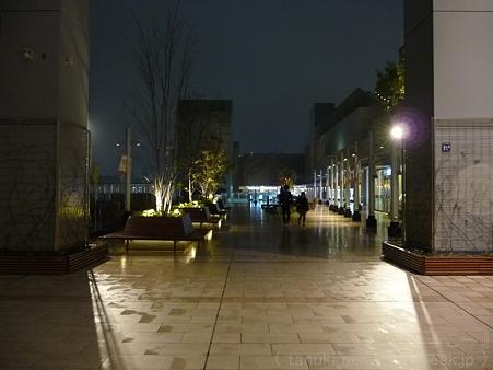 120305-大阪駅 (25)