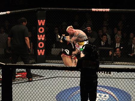 UFC 144 日沖発vsバート・パラゼウスキー (3)