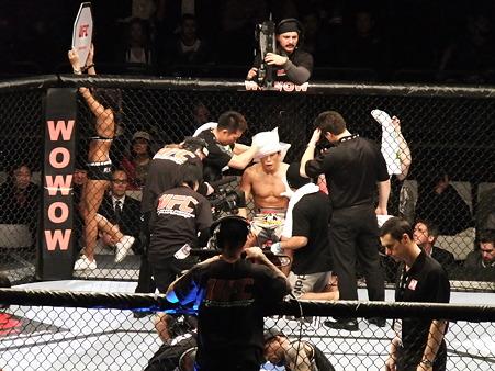 UFC 144 水垣偉弥vsクリス・カリアーゾ (2)