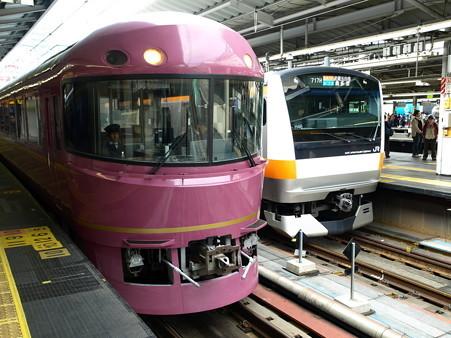 485系「宴」とE233系(新宿駅)1