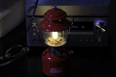 2011.12.17 机 Half size lantern ColemanR Model 200A 点灯