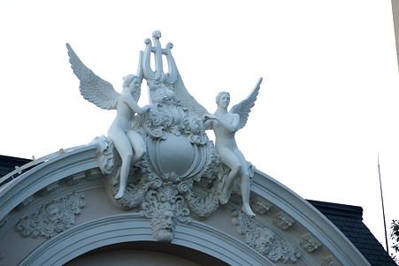 2012.03.10 ホーチミン市 オペラハウス 天使の像