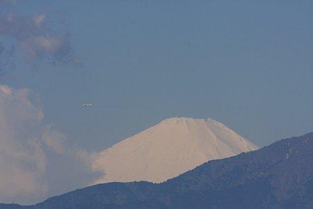 2012.03.21 駅 富士山とP-3C
