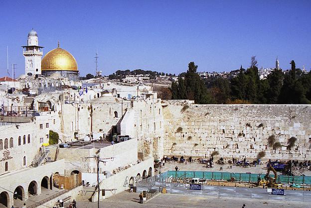2003年末、エルサレム旧市街の聖地を散策する。