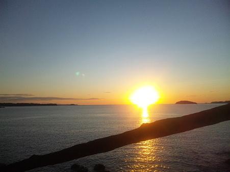 ホテル観洋にて 夜明...