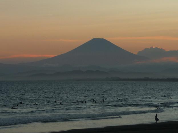 富士山と夕焼け海岸3