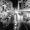 写真: 雨降夜駅
