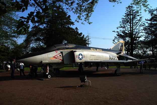 写真: F-4S VFA-27 ROYAL MACES