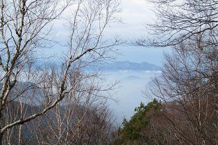 20111030-094408 谷川岳方面